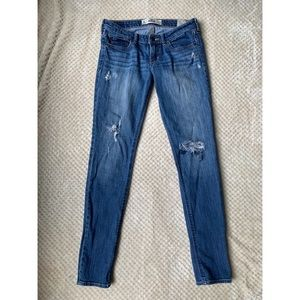 hollister medium wash ripped skinny jeans